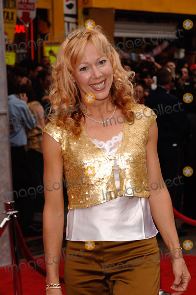 Lynn-Holly Johnson Photo - Actress  former ice skater LYNN-HOLLY JOHNSON at the Hollywood premiere of Walt Disney Pictures Ice Princess at the El Capitan TheatreMarch 13 2005 Los Angeles CA 2005 Paul Smith  Featureflash