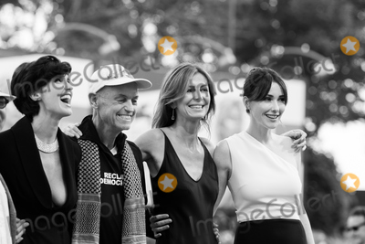 Anita Caprioli Photo - Fruit Chan Paz Vega Jonathan Demme Alix Delaporte and Anita Caprioli  at the closing ceremony at the premiere of Lao Pao Er at the 2015 Venice Film FestivalSeptember 12 2015  Venice ItalyPicture Kristina Afanasyeva  Featureflash