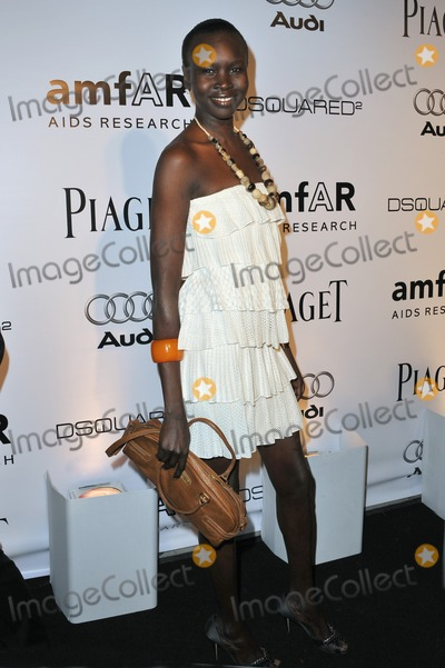 Alek Wek Photo - Model Alek Wek at the launch of amfARs LA Event celebrating Mens Style at the Chateau Marmont Hotel West HollywoodOctober 27 2010  Los Angeles CAPicture Paul Smith  Featureflash