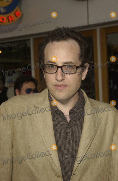 Jesse Dylan Photo - Director JESSE DYLAN at the world premiere of his new movie American Wedding at Universal Studios HollywoodJuly 24 2003 Paul Smith  Featureflash