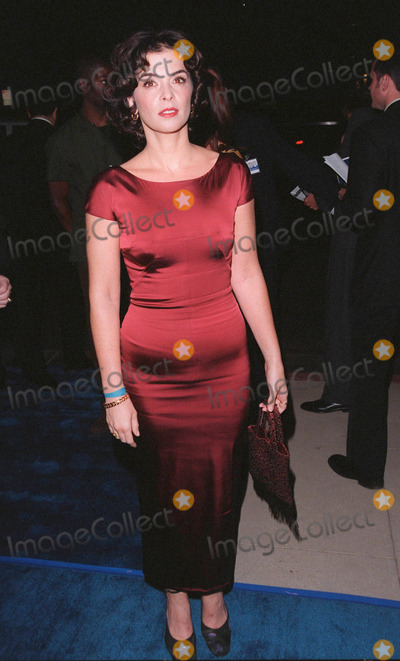 Annabella Sciorra Photo - 28SEP98  Actress ANNABELLA SCIORRA at the Beverly Hills premiere of What Dreams May Come in which she stars with Robin Williams  Cuba Gooding Jr