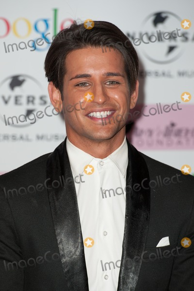 Amy Winehouse Photo - Ollie Locke arriving for the Amy Winehouse Foundation Dinner London 20112013 Picture by Dave Norton  Featureflash