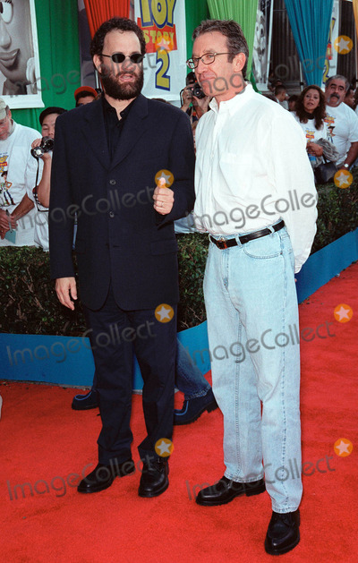 Tom Allen Photo - 13NOV99  Actors TOM HANKS (left)  TIM ALLEN at the world premiere of DisneyPixars Toy Story 2 at the El Capitan Theatre Hollywood They provide the voices for lead characters Woody and Buzz Lightyear Paul Smith  Featureflash