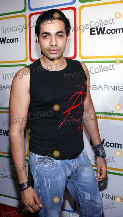Anand Jon Photo - Anand Jon arrives to  Entertainment Weeklys Must List party in the Meat Packing District on June 22 2006 in