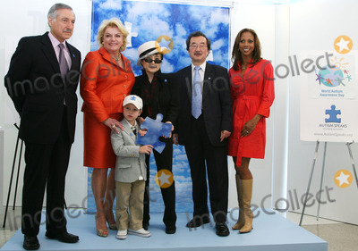 Heraldo Munoz Photo - (L-R) Chiles UN Ambassador Heraldo Munoz Suzanne Wright and her grandson Mattias Hildebrand with artist Yoko Ono UN Under-Secretary-General Kiyo Akasaka and actress Holly Robinson pose for pictures during the unveiling of her mural to commemorate World Autism Awareness Day at the United Nations on April 2nd 2009 in New York City