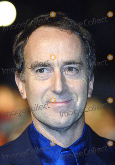 Angus Deayton Photo - London British Comedian Angus Deayton at the premiere of Goal at Odeon Leicester Square 15 September 2005Gio DAngelicoLandmark Media