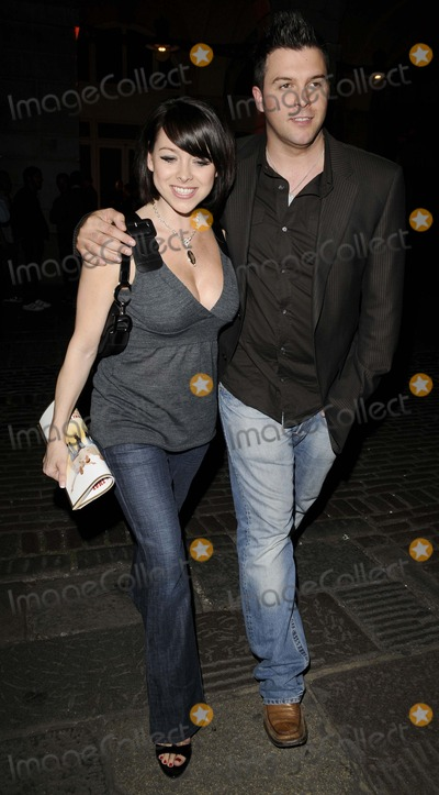 Johnny Shentall Photo - London UK  Lisa Scott-Lee and Johnny Shentall    at the Gala Opening of Never Forget - The Take That Musical held at the Savoy Theatre Strand London 22nd May 2008Can NguyenLandmark Media