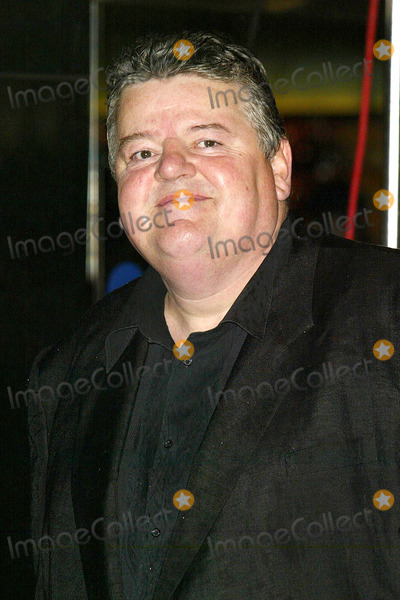 Robbie Coltrane Photo - London Robbie Coltrane at the Premiere of The Constant Gardender at the Times London Film Festival for the opening night gala held at The Odeon Leicester Square19 October 2005Jenny RobertsLandmark Media