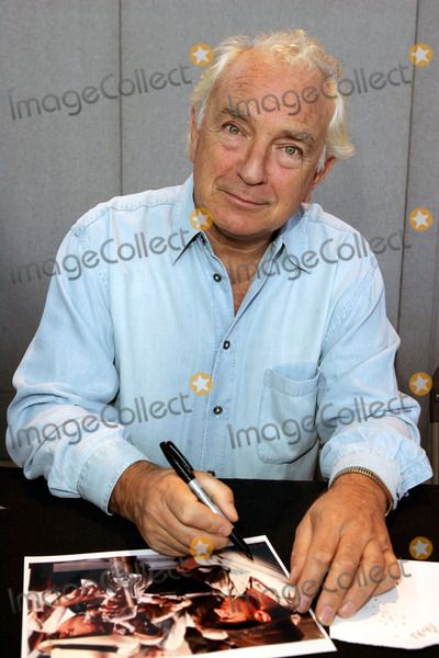 Paul Freeman Photo - Milton Keynes UK Paul Freeman - Dr Belloq in Raiders of the Lost Ark was one of many guests from blockbuster TV series and movies to appear at the Collectormania event Middleton Hall Milton Keynes September 30th - October 2nd 2005Keith MayhewLandmark Media