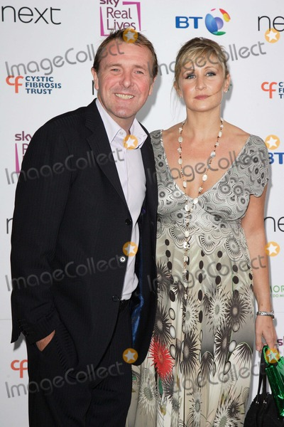 Phil Tufnell Photo - London UK  Cricketer Phil Tufnell and wife Dawn at the  Cystic Fibrosis Trust Helping Hands Awards 2008 at the Hilton Metropole Hotel London  28th May 2008 Keith MayhewLandmark Media