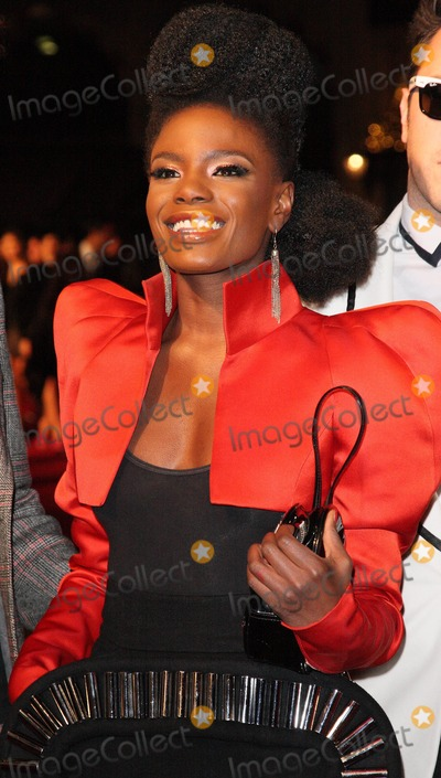 Noisettes Photo - London UK  Shingai Shoniwa from the band Noisettes at the World Premiere of the film Nine held at the Odeon Leicester Square 3 December 2009 Keith MayhewLandmark Media