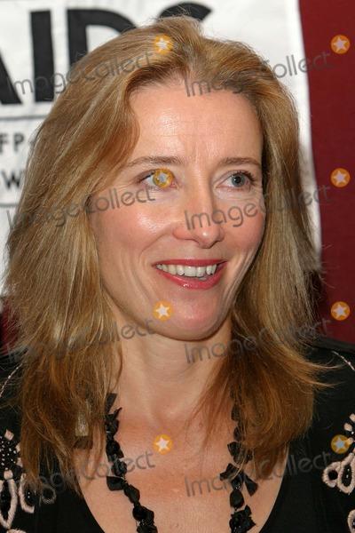 Emma Thompson Photo - London Emma Thompson speaking at the AIDS Epidemic Press Conference at The Royal Society23 November 2004Paulo PirezLandmark Media