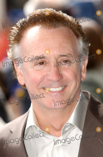 Tony Christie Photo - London UK Tony Christie at the UK Premiere of Ice Age 2 The Meltdown held at the Empire Cinema Leicester Square 02 April 2006Andy LomaxLandmark Media