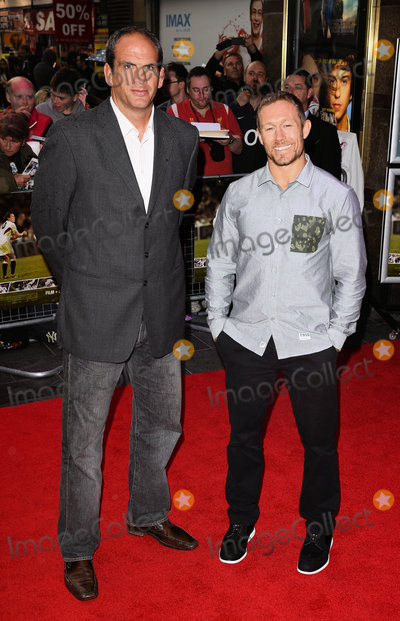 Jonny Wilkinson Photo - London UK Martin Johnson and Jonny Wilkinson  at the World Premiere of Building Jerusalem at The Empire Leicester Square London on Tuesday 1 September 2015 Ref LMK392 -58088-020915Vivienne VincentLandmark Media WWWLMKMEDIACOM