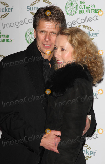 The Bee GEES Photo - London UK TV presenter Andrew Castle and wife Sophia   at The Outward Bound Trust present A Night with Robin Gibb and the music of the BeeGees at Battersea Evolution 9th January 2009 Keith MayhewLandmark Media