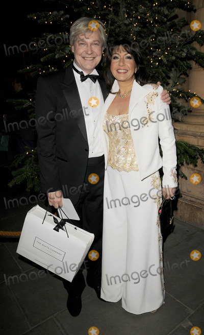 Christopher Biggins Photo - London UK Jane McDonald at the Christopher Biggins 60th Birthday party held at the Landmark Hotel in London 15th December 2008Ref LMK315-Can NguyenLandmark Media