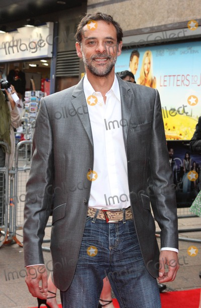 Alexander Siddig Photo - London UK  250510Alexander Siddig at the World Premiere of the film 4-3-2-1 held at the Empire Leicester Square cinema25 May 2010Keith MayhewLandmark Media