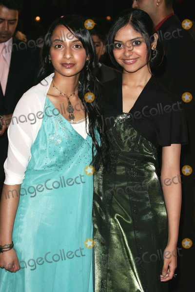 Afshan Azad Photo - London  Shefali Chowdhury (L)  and Afshan Azad (R) at the premiere of their  film Harry Potter and the Goblet of Fire 6th November 2005 Keith MayhewLandmark Media