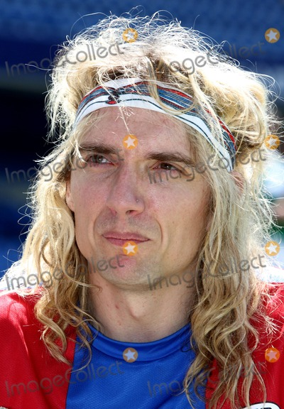 Justin Hawkins Photo - London UK Justin Hawkins at the Celebrity Soccer Six in aid of The Samaritans held at Chelsea Football ground Stamford Bridge24 May 2009Keith MayhewLandmark Media