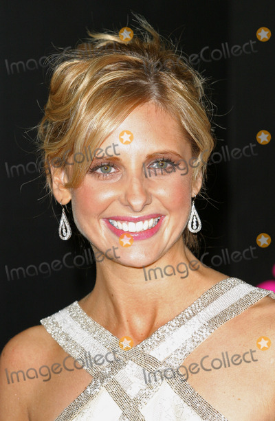 Scooby-Doo Photo - London Sarah Michelle Gellar  at the London premiere of her film Scooby-Doo 2 Monsters Unleashed  26th March 2004 PICTURES BY RAOUL TREZARILANDMARK MEDIA LMK