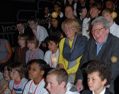 Alan Parker Photo - London UK  Director Sir Alan Parker actress Emma Thompson at Film Club photocall at Morpeth School Portman Place 12th June 2008Chris JosephLandmark Media
