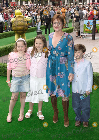 Emma Forbes Photo - London UK Emma Forbes at the UK Premiere of Over the Hedge held at the Vue Cinema Leicester Square 22 June 2006Keith MayhewLandmark Media