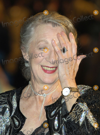 Thelma Barlow Photo - London Thelma Barlow at the UK Premiere of Mrs Henderson Presents at the Vue Cinema Leicester Square  23 November 2005Gio DAngelicoLandmark Media