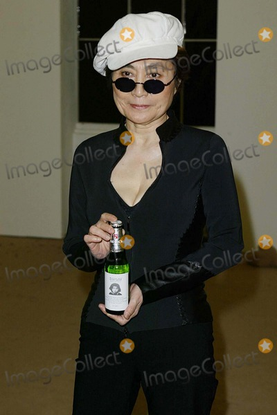 Beck Photo - London Yoko Ono presenting the winners of Becks Futures 2004 at the ICA Named after the beer and not David Beckham   27th April 2004Ref  PICTURES BY JENNY ROBERTSLANDMARK MEDIA LMK
