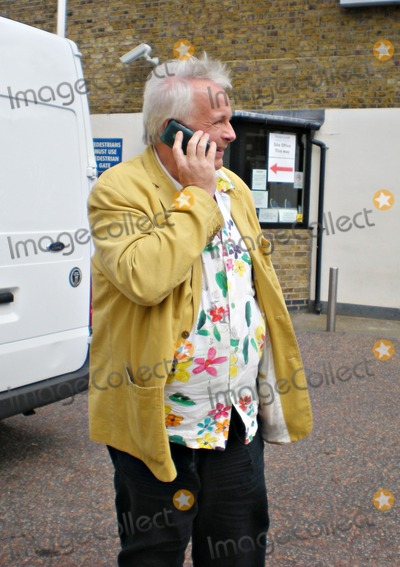 Christopher Biggins Photo - London UK Christopher Biggins at the final moments of Fern Brittons last day as a presenter for the ITV show This Morning Fern has finally decided to step down from the iconic day time show after ten years of service The show was packed with tributes and reflective scenes of Ferns interviews and set pieces over the years and also a lot of tears from all involved in the program 17th July 2009ZacLandmark Media