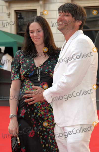 Alex James Photo - London UK  Alex James  and wife Claire  at the Royal Academy Summer Exhibition Launch Party held at the Royal Academy in London UK 4th June 2008Chris JosephLandmark Media