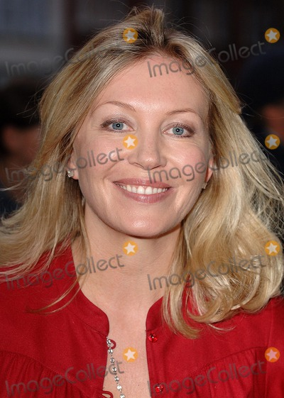 Kirsty Young Photo - London Uk Kirsty Young attending the premiere of the third chapter in the Jason Bourne saga The Bourne Ultimatum at Odeon Leicester Square London 15th August 2007Eric Best Landmark Media