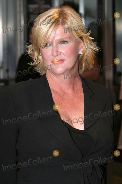 Dennie Gordon Photo - London Director Dennie Gordon at the Premiere of New York Minute starring Mary-Kate and Ashley Olsen at the Odeon West End27 July 2004Paulo PirezLandmark Media