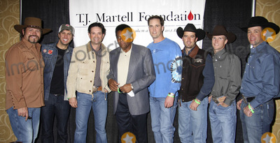 Tracy Byrd Photo - Las Vegas NV USA Buddy Jewell Luke Bryan Tracy Byrd Charley Pride Brice Long Trent Willmon Justin McBride and Britt Bockius at the Las Vegas Hilton Celebrity Poker Tournament Benefiting T J Martell Foundation held at Las Vegas Hilton 11th December 2007PRNLandmark Media