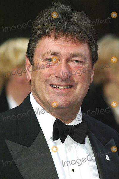 Alan Titchmarsh Photo - London Alan Titchmarsh arrives at the Book Awards at the Grosvenor House Hotel 7th April 2004 PICTURES BY JENNY ROBERTSLANDMARK MEDIA LMK