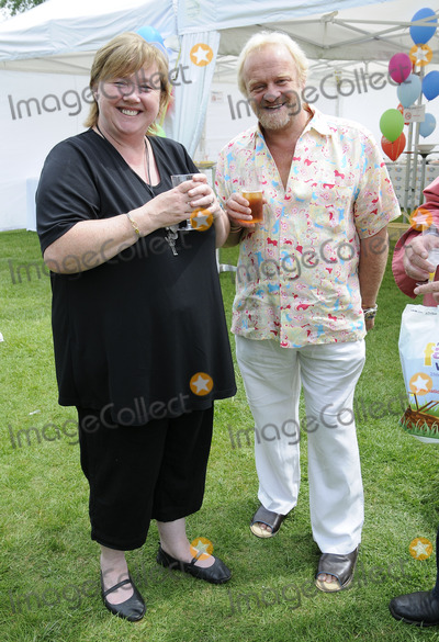 Anthony Worrall-Thompson Photo - LondonUK Pauline Quirke and Anthony Worral Thompson at the National Family Week Launch VIP Picnic held at Regents Park in London 25th May 2009 Can NguyenLandmark Media