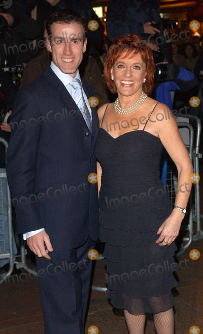 Anton Du Beke Photo - London Esther Ranzten and Strictly Come Dancing partner Anton Du Beke at the Premiere of Beyond The Sea at the Vue Cinema Leicester Square25 November 2004Eric BestLandmark Media