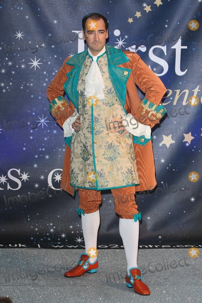 Alistair McGowan Photo - London UK Alistair McGowan at the Photocall to launch the 20089 Pantomime productions from First Family Entertainment held at the O2 Centre NW3 London 19th November 2008Keith MayhewLandmark Media