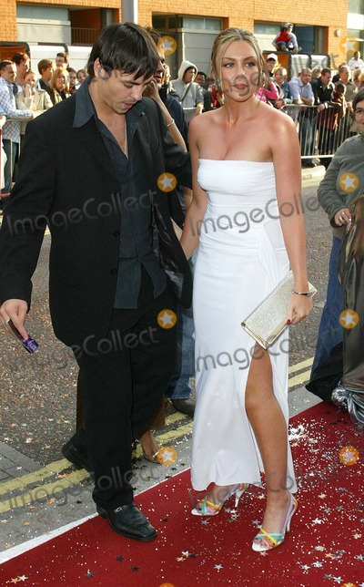 Andy Scott-Lee Photo - London Michelle Heaton from Liberty X arrives with her boyfriend Andy Scott-Lee at the Celebrity Awards 2004 at the London Television Centre26 September 2004Landmark Media
