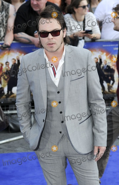 Gaz Coombs Photo - London UK  Gaz Coombes  at  theWorld Premiere of  The Worlds End  at the Empire Leicester Square London  10th July 2013LMK386-44629-110713    Gary MitchellLandmark Media  WWWLMKMEDIACOM
