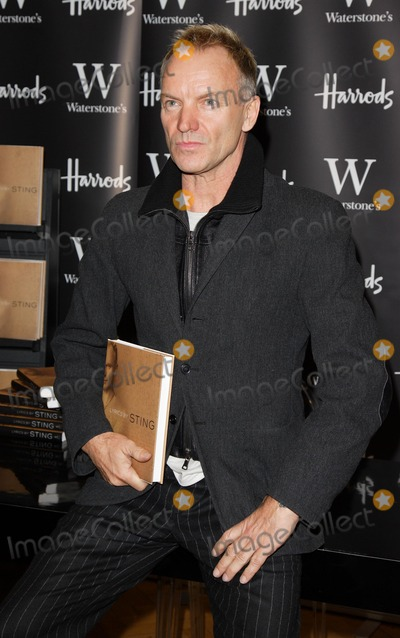 Sting Photo - London UK Sting attends signing at Waterstones in Harrods for his new book Lyrics 20th October 2007Keith MayhewLandmark Media