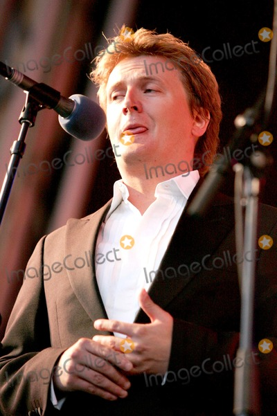 Aled Jones Photo - Bedford Aled Jones performs at Proms in the Park 06 August 2005Keith MayhewLandmark Media