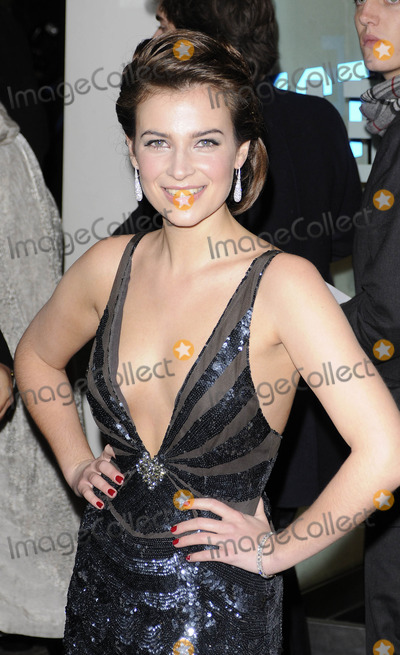 Camilla Arfwedson Photo - London UK Camilla Arfwedson at the Royal Gala Performance of Bunch of Amateurs at the Odeon in Leicester Square London 17th November 2008Can NguyenLandmark Media