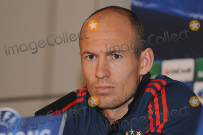 Bayern Munich Photo - London UK  Bayern Munich player Arjen Robben at a press conference at the Landmark Hotel before their game against Arsenal in the Champions League match against Arsenal Bayern Munich won the game 2-0 on the 19th February 2014  Press conference 17th February 2014 RefLMK326-47733-210214  Matt LewisLandmark Media WWWLMKMEDIACOM