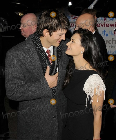Demi Moore Photo - London UK Ashton Kutcher and Demi Moore at the  Charity Premiere of Flawless held at the Odeon Covent Garden London 26th November 2008Can NguyenLandmark Media
