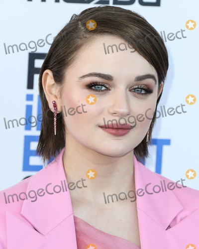 Oscar de la Renta Photo - SANTA MONICA LOS ANGELES CALIFORNIA USA - FEBRUARY 08 Actress Joey King wearing an Oscar de la Renta look Christian Louboutin shoes Brumani earrings Stefere rings and Lillian Shannon bag arrives at the 2020 Film Independent Spirit Awards held at the Santa Monica Beach on February 8 2020 in Santa Monica Los Angeles California United States (Photo by Xavier CollinImage Press Agency)