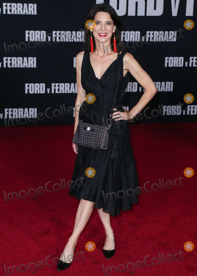 Perrey Reeves Photo - HOLLYWOOD LOS ANGELES CALIFORNIA USA - NOVEMBER 04 Actress Perrey Reeves arrives at the Los Angeles Premiere Of 20th Century Foxs Ford v Ferrari held at the TCL Chinese Theatre IMAX on November 4 2019 in Hollywood Los Angeles California United States (Photo by Xavier CollinImage Press Agency)