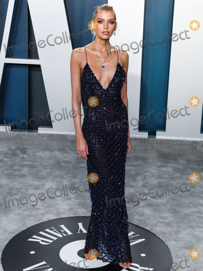 Maxwell Photo - BEVERLY HILLS LOS ANGELES CALIFORNIA USA - FEBRUARY 09 Stella Maxwell arrives at the 2020 Vanity Fair Oscar Party held at the Wallis Annenberg Center for the Performing Arts on February 9 2020 in Beverly Hills Los Angeles California United States (Photo by Xavier CollinImage Press Agency)
