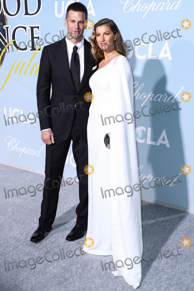 Giselle Photo - BEVERLY HILLS LOS ANGELES CA USA - FEBRUARY 21 Football quarterback Tom Brady and wifemodel Gisele Bundchen arrive at the 2019 Hollywood For Science Gala held at a Private Estate on February 21 2019 in Beverly Hills Los Angeles California United States (Photo by Xavier CollinImage Press Agency)