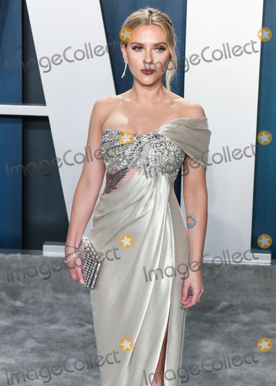 Scarlett Johansson Photo - BEVERLY HILLS LOS ANGELES CALIFORNIA USA - FEBRUARY 09 Actress Scarlett Johansson arrives at the 2020 Vanity Fair Oscar Party held at the Wallis Annenberg Center for the Performing Arts on February 9 2020 in Beverly Hills Los Angeles California United States (Photo by Xavier CollinImage Press Agency)