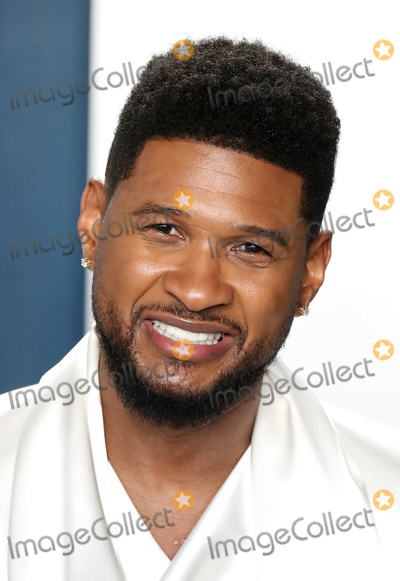 Usher Photo - BEVERLY HILLS LOS ANGELES CALIFORNIA USA - FEBRUARY 09 Usher arrives at the 2020 Vanity Fair Oscar Party held at the Wallis Annenberg Center for the Performing Arts on February 9 2020 in Beverly Hills Los Angeles California United States (Photo by Xavier CollinImage Press Agency)